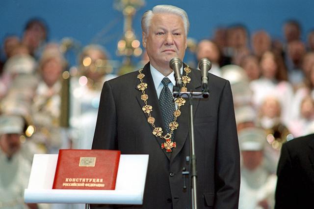 9 августа 1996 года. Кремлёвский Дворец съездов. Торжественная церемония вступления в должность вновь избранного Президента РФ Бориса Ельцина.