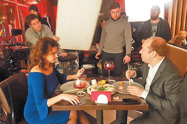 В комедийном телесериале «Мылодрама» Янина Мелехова играет жену главного героя в исполнении Сергея Бурунова.