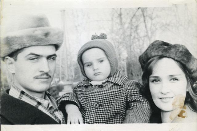 С любимым супругом Валерием Тарасевским и их первенцем Тимуром