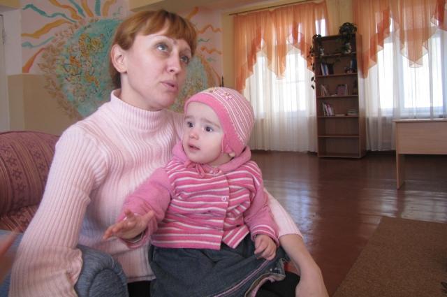 Яна в Центре самая старшая — ей 35, собранная, опытная, на жизнь смотрит не через розовые очки.
