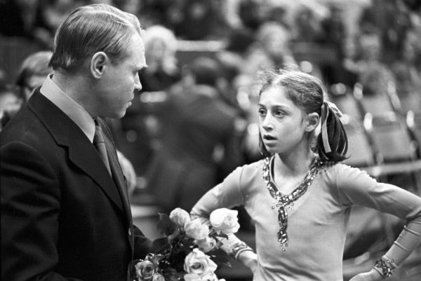 Фигуристка Елена Водорезова и тренер Станислав Жук. 1975 г