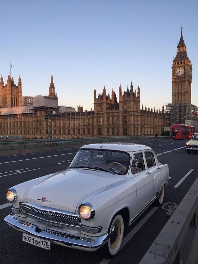 Кирилл доехал до Англии за 4 дня.
