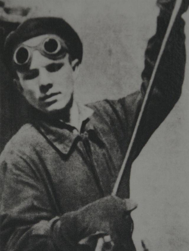 Юрий Гагарин в литейном цехе Люберецкого завода сельхозмашин