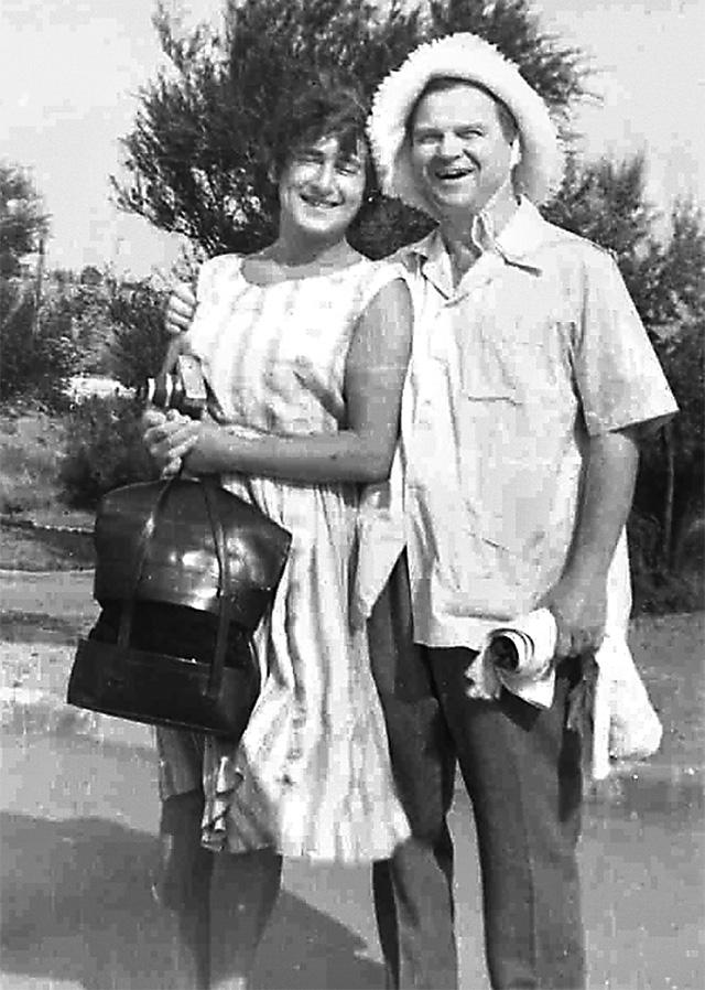 Тихон Хренников с женой Кларой в Судаке, 1960 г.
