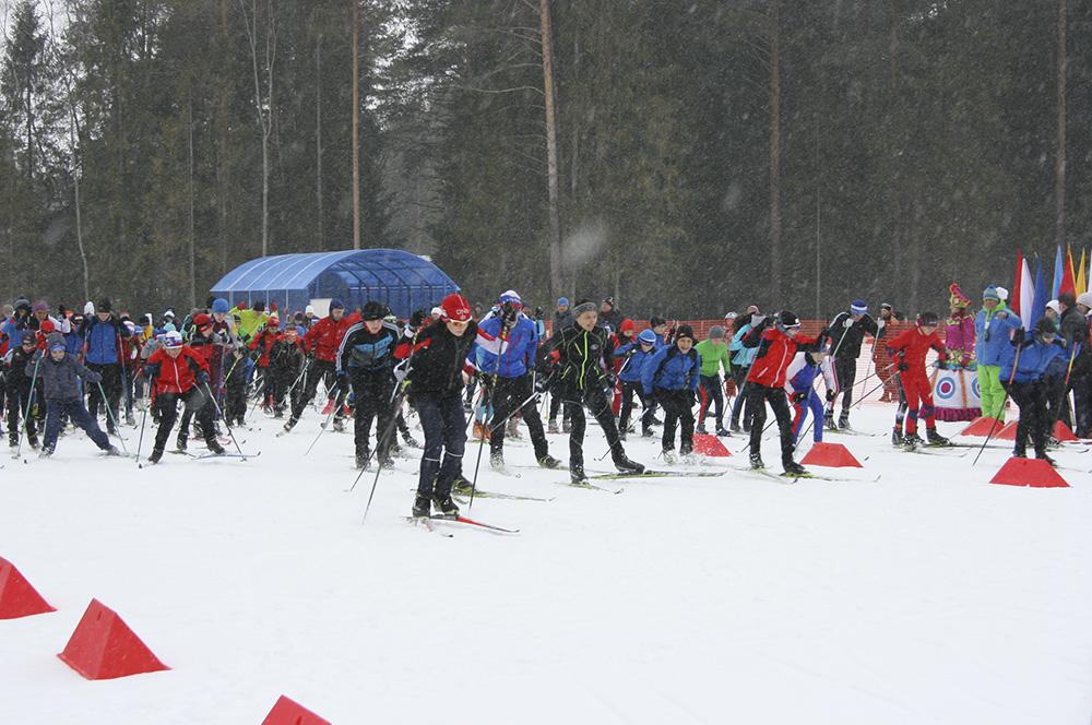 Юные лыжники с удовольствием опробовали трассу.