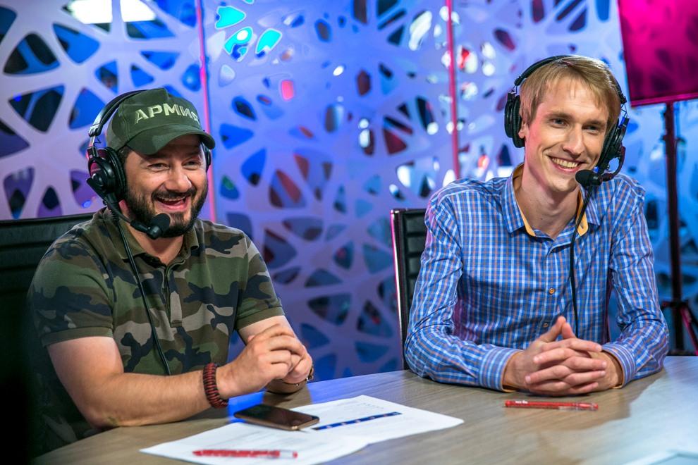 Михаил Галустян (слева).