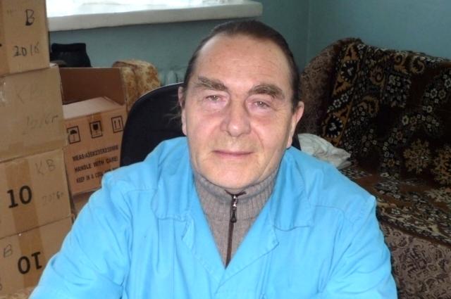 Почти 40 лет заведует Михаил Софронов отделением скорой помощи.