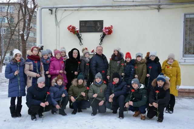 Игорь Шепель с учениками лицея 8.