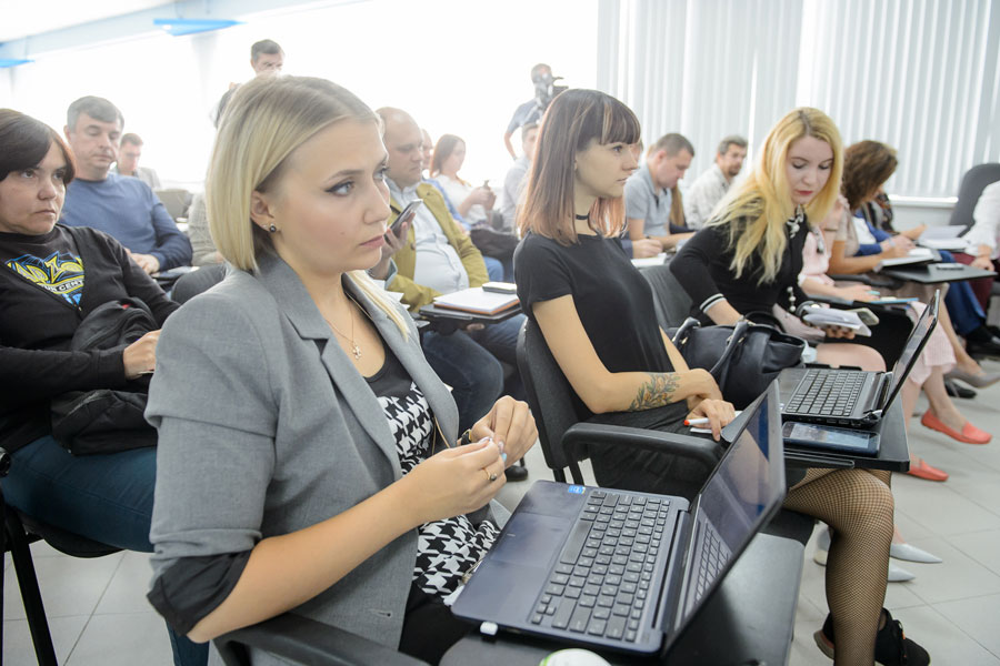 Гусев2Первая пресс-конференция нового губернатора прошла динамично и интересно.