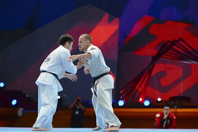 Победу судьи отдали японскому бойцу