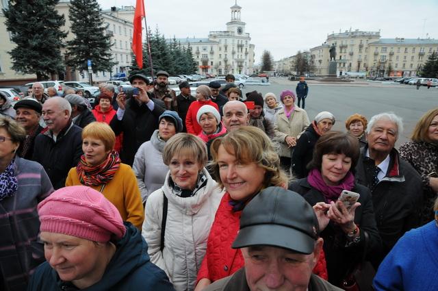 Многие из присутствующих были участниками манифестации, проходившей 50 лет назад