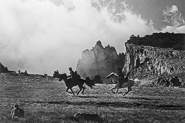 Фильм «Деловые люди» советская односерийная кинокомедия, снятая по мотивам новелл О. Генри в 1962 году режиссером Леонидом Гайдаем.