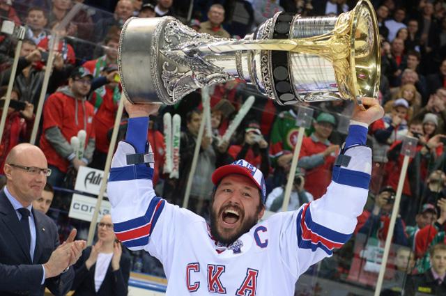 Самый высокооплачиваемый хоккеист России, капитан ХК СКА Илья Ковальчук