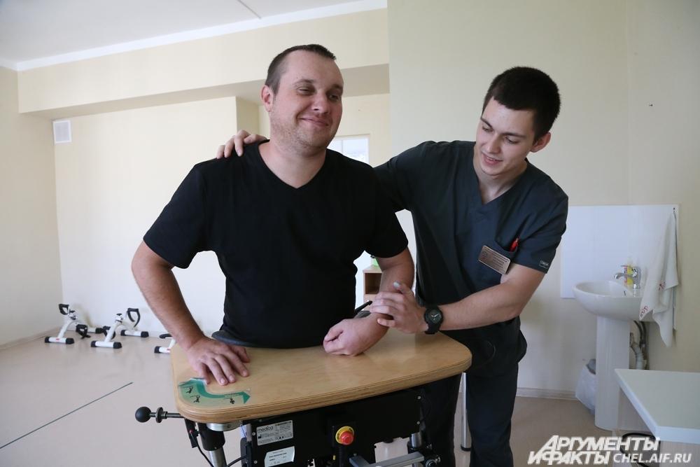 Современное оборудование для реабилитации людей после инсульта.