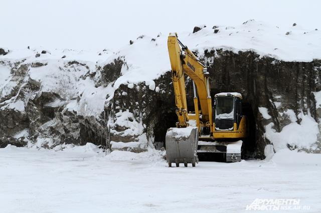 Директор предприятия говорит, что снег специально так спрессован