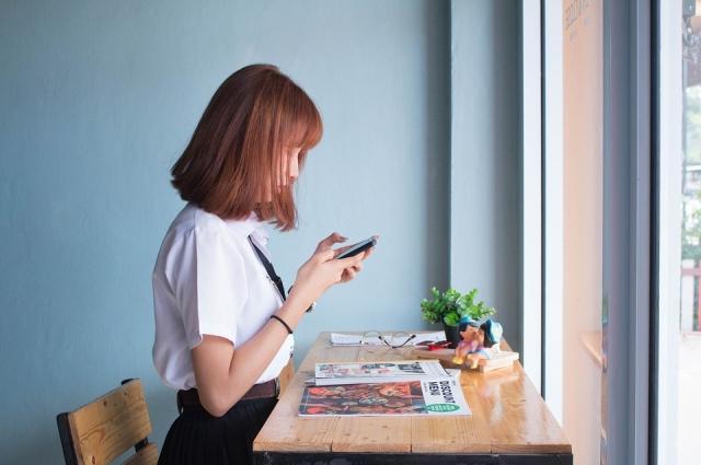 Важно учитывать, что работодатели просматривают профили в социальных сетях вместе с резюме.