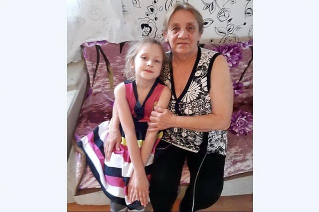 Ирина Ковалёва с внучкой Алисой через две недели после операции.