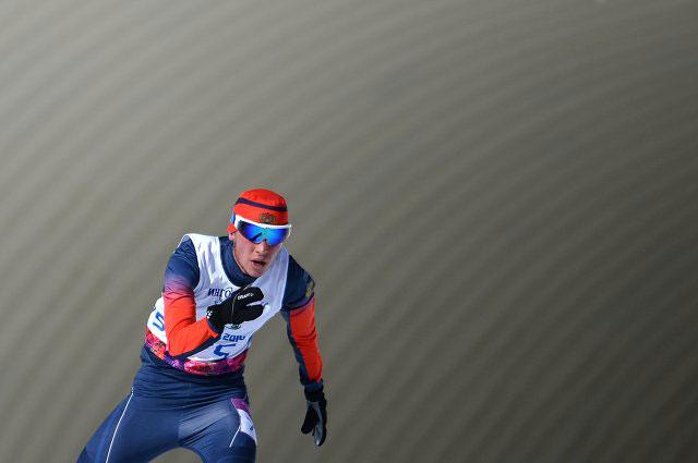 Азат Карачурин на трассе гонки на дистанции 10 км в классе LW 2-9 (стоя) среди мужчин в соревнованиях по лыжным гонкам на XI Паралимпийских зимних играх в Сочи