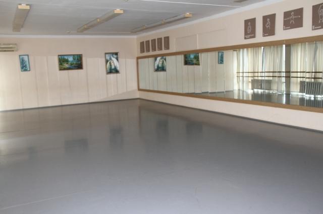 Местный Дворец культуры - центр притяжения молодёжи.