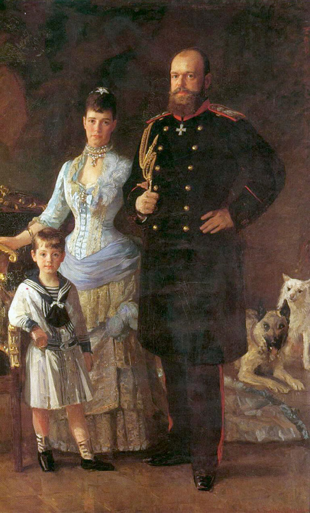 Александр III c супругой Марией Фёдоровной и сыном Михаилом. Художник Лауриц Туксен.