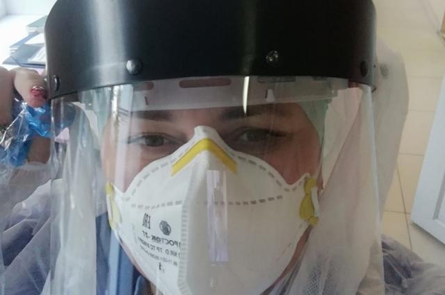 Медицинская сестра Олеся Черкасова трудится в бригаде скорой помощи уже около 25 лет