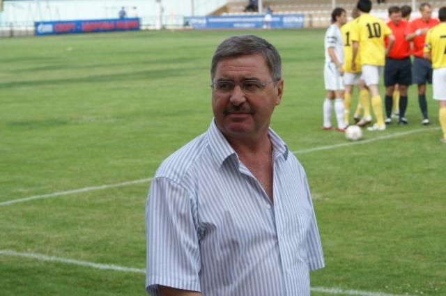 Борис Стукалов полагает, что скандала помогли бы избежать более чёткие условия контракта.