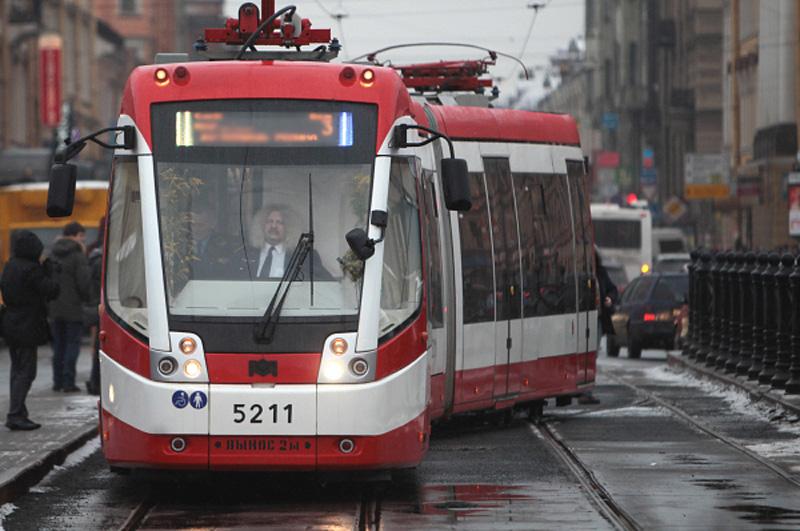 В настоящее время департаментом транспорта совместно с Москомархитектурой прорабатываются коридоры для линий скоростного трамвая на территории Троицкого и Новомосковского округов
