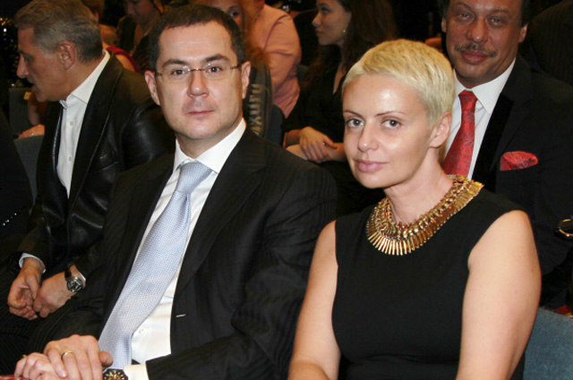 Генеральный директор Национальной Медиагруппы Александр Орджоникидзе с супругой на XVI ежегодной церемонии вручения народной музыкальной премии