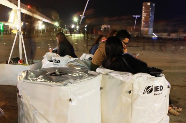 Уже сейчас в Барселоне можно отдохнуть на мебели Анастасии из отходов.