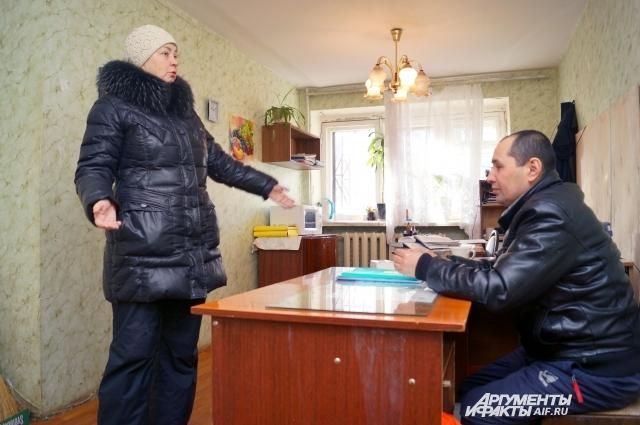К мастеру по благоустройству пришла жительница Самары с жалобой