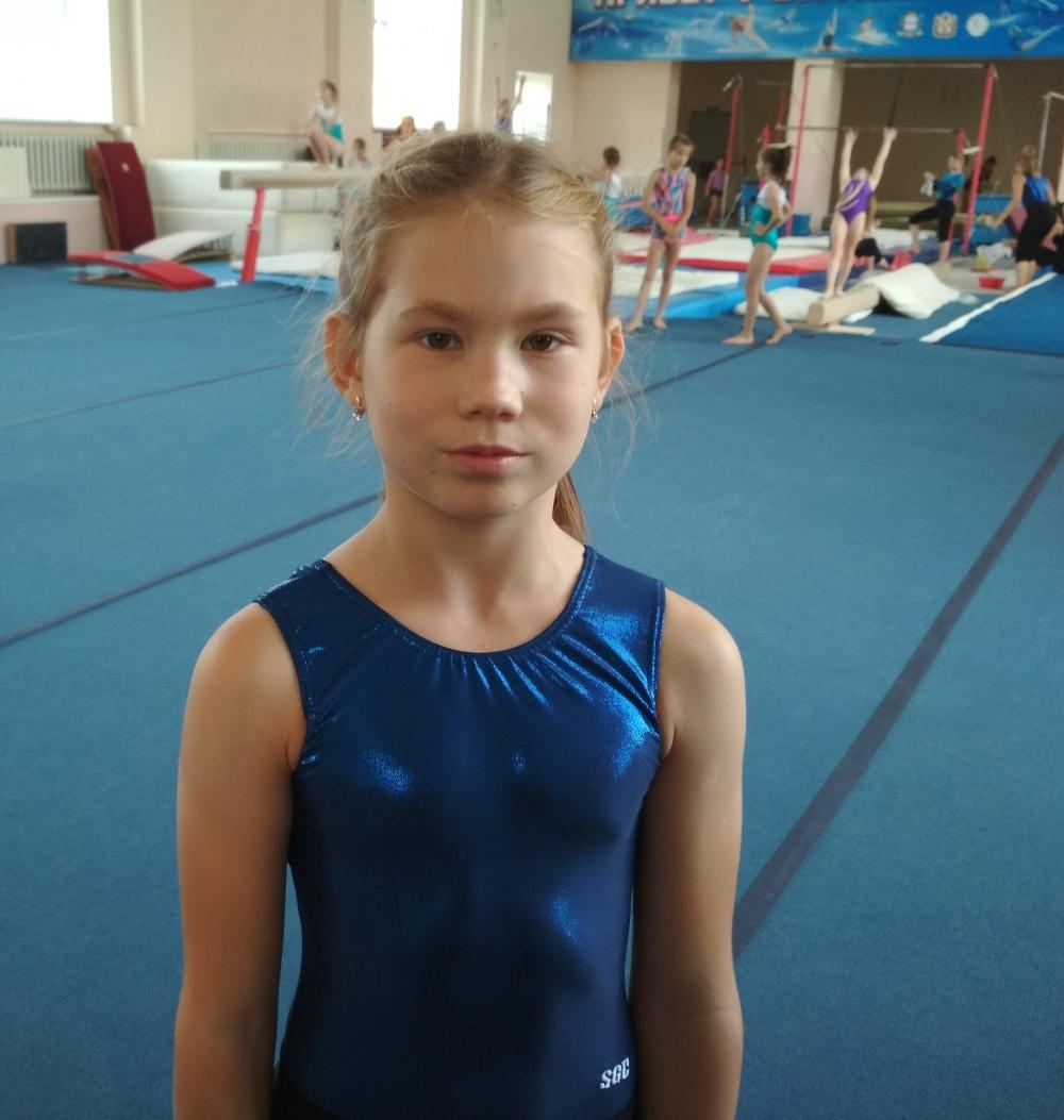 Ира Тимофеева имеет второй взрослый разряд по спортивной гимнастике.