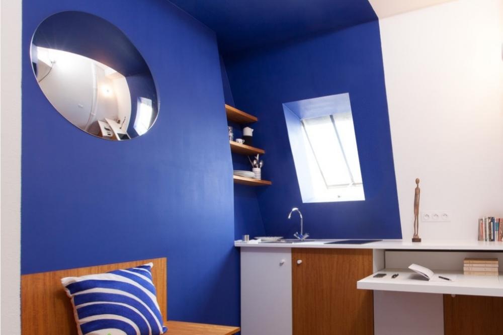 Старая комната для прислуги под крышей. 7-й округ Парижа. 8 кв.м.