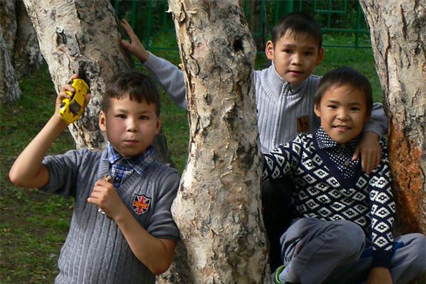 Дети начинают ждать праздник с конца ноября.