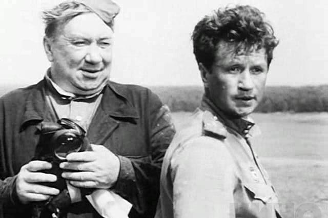 Алексей Смирнов и Леонид Быков в фильме «В бой идут одни «старики», 1974 год