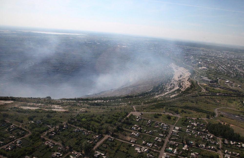 Угольный разрез под Челябинском не только крупнейшая в Евразии рукотворная яма, но и источник экологических проблем для города-миллионника и всей округи.