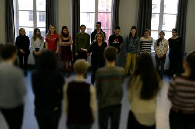 Петербургский режиссер представит спектакль о трудной жизни детей-мигрантов.