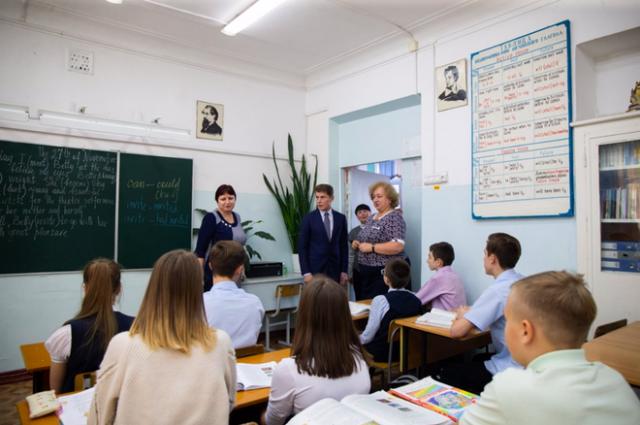 Олег Кожемяко на встрече со школьниками Владивостока