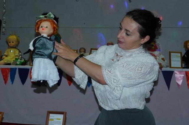 Пикантные подробности исторического костюма куклы Кати.