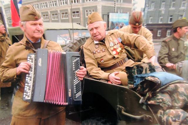 Георгий Петров всегда участвовал в Параде Победы на своей машине