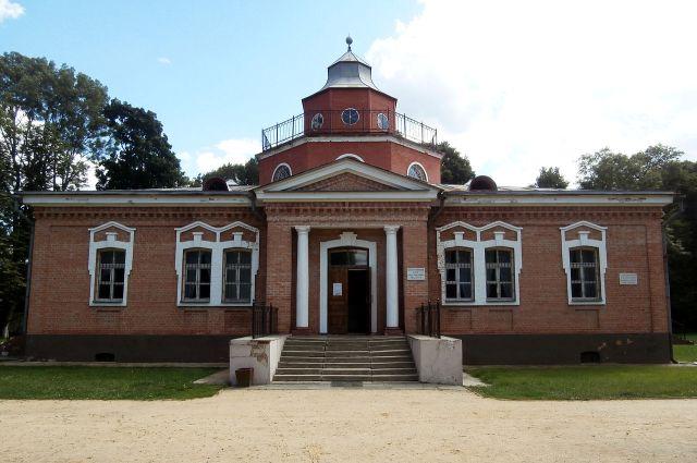 Дом-музей А. К. Толстого в имении Красный Рог.