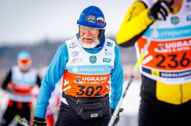 Люди солидного возраста проявили на лыжном забеге силу опыта.