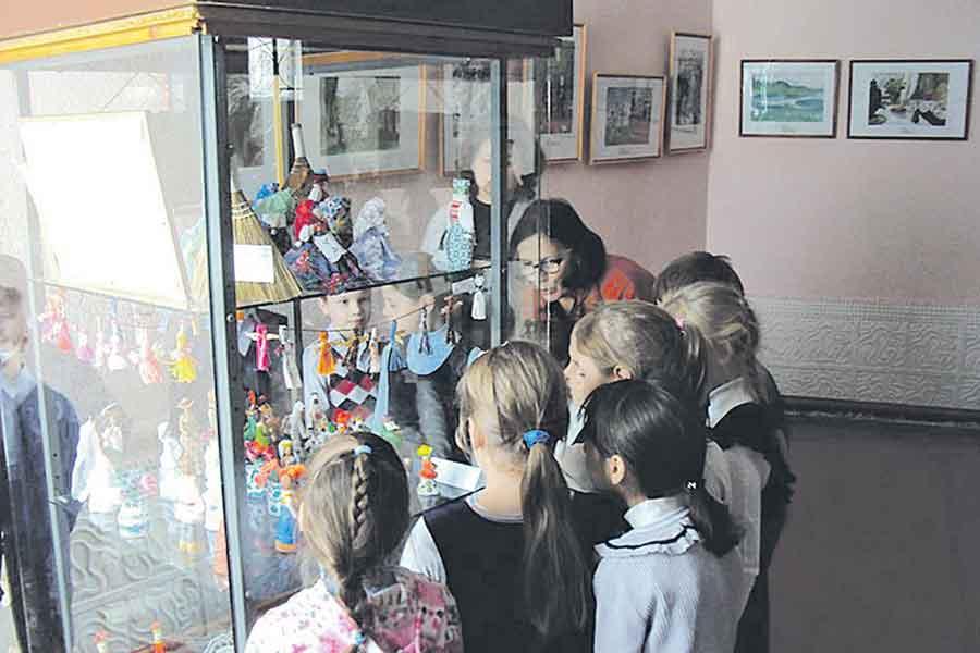 Творчество наполняет детское сознание яркими впечатлениями, дает  своеобразный толчок к дальнейшему развитию.