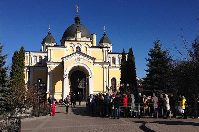 Покровский женский монастырь в Москве.