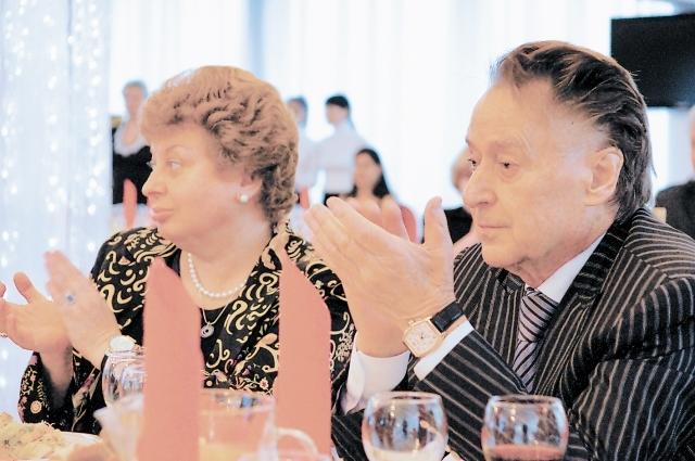 Андрей Дементьев с супругой Анной Давыдовной на церемонии «Легенды Верхневолжья» в Твери.