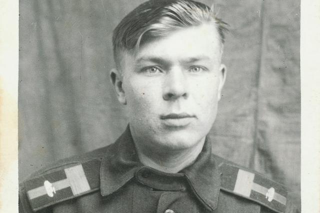 Когда началась война, Юрке было 16 лет.