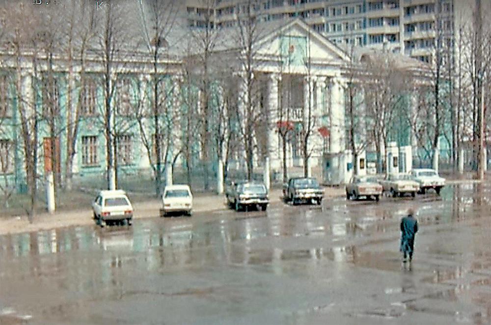 В фильме «Система «Ниппель» можем увидеть Дом пионеров, который был на Кунцевской улице.