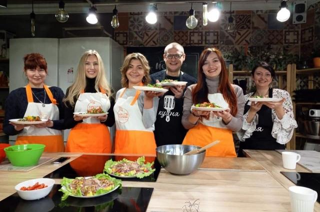На съёмках одной из кулинарных программ.