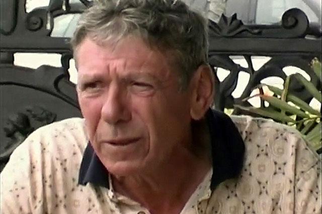 Кадр из фильма «Ненарушая закона» (2004)