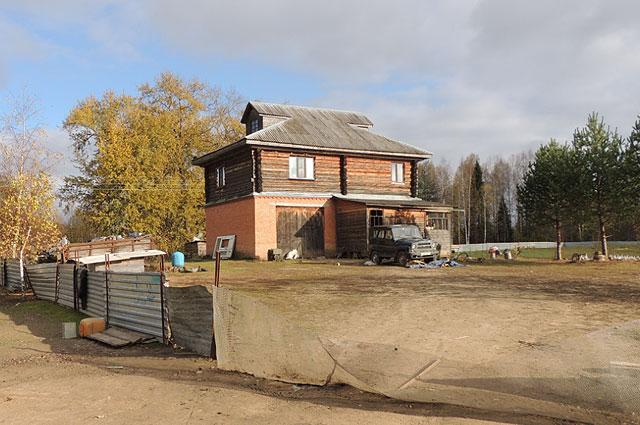 Добротный дом Вениамин Ковалев построил своими руками.