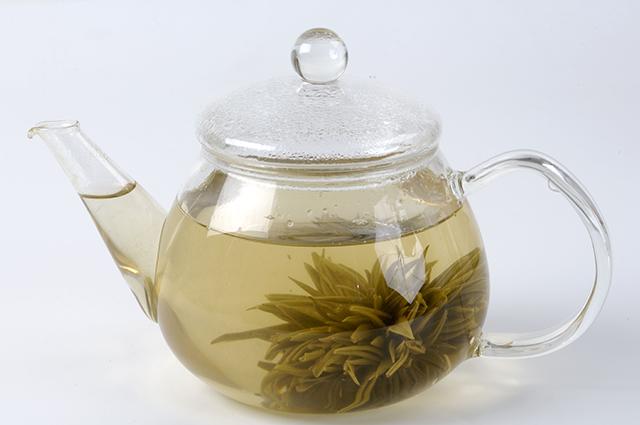 От перестоявшегося чая - не польза, а вред!